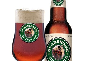 st-ambroise-scotch-ale-bottle-glass