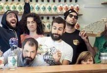 Les gens de la distillerie St. Laurent célébrant l'ouverture de la boutique