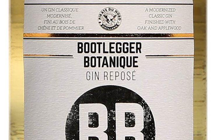 une bouteille de gin bootlegger botanique du pirate du nord